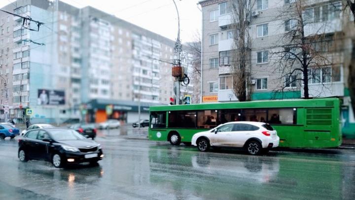 Для саратовских дачников начинают работу автобусные маршруты
