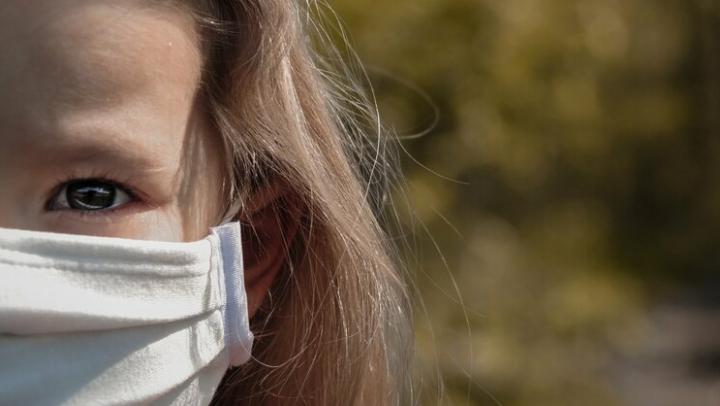 Всплеска заболеваемости коронавирусом среди детей в Саратовской области не отмечается