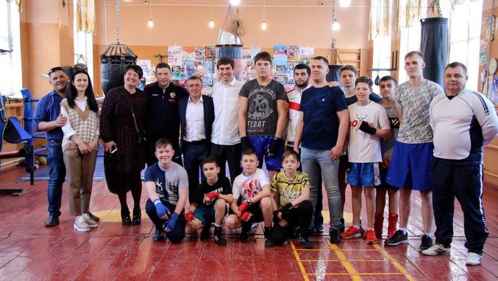 В Базарном Карабулаке обсудили вопросы поддержки молодежного спорта