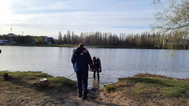 Тело утонувшего мужчины нашли в судоходном канале в Балакове | 18+