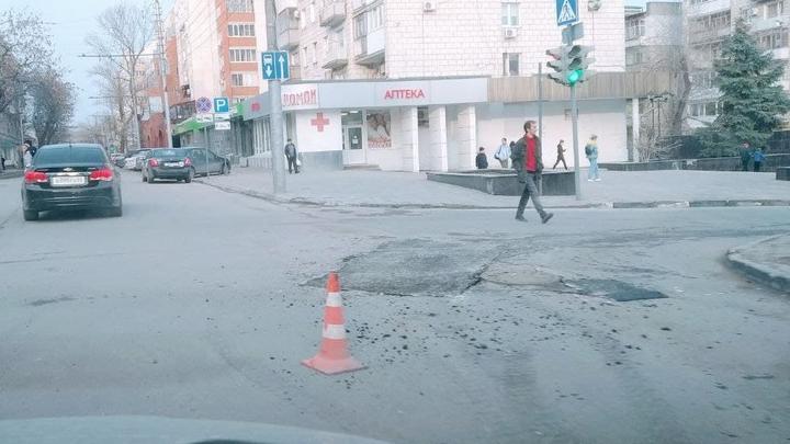 До конца лета в Кировском районе Саратова отремонтируют пешеходные зоны и тротуары