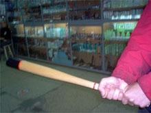 Сельчане избили рабочих бейсбольной битой