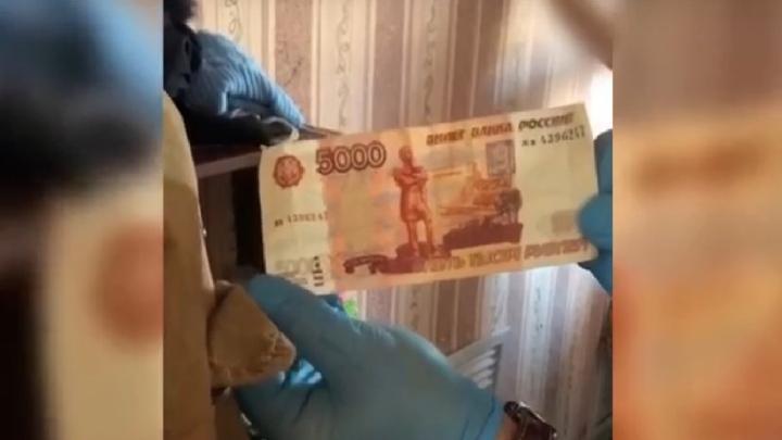 Фальшивомонетчики из Аткарска могут получить восемь лет лишения свободы
