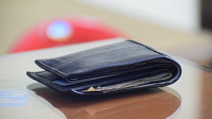 Саратовчанка потеряла сим-карту и лишилась восьми тысяч рублей