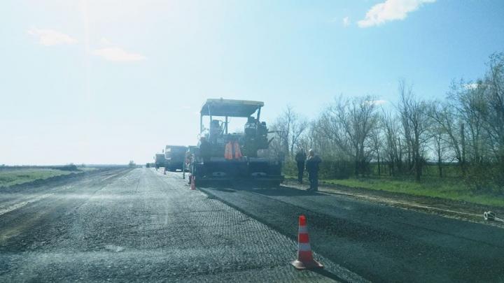 В Аркадакском районе до конца октября отремонтируют пять километров дороги