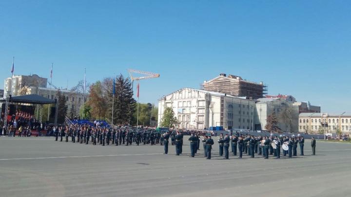 В Саратове прошел парад, посвященный Дню Победы