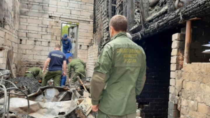 Уголовное дело возбуждено после гибели трех человек на пожаре в Красном Текстильщике