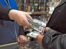 Полицейские изъяли 25 литров контрафактного алкоголя