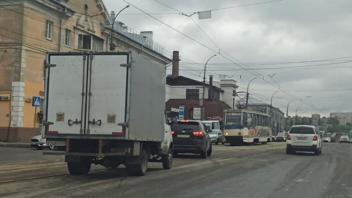 Из-за ДТП на Танкистов в Саратове встали трамваи № 11