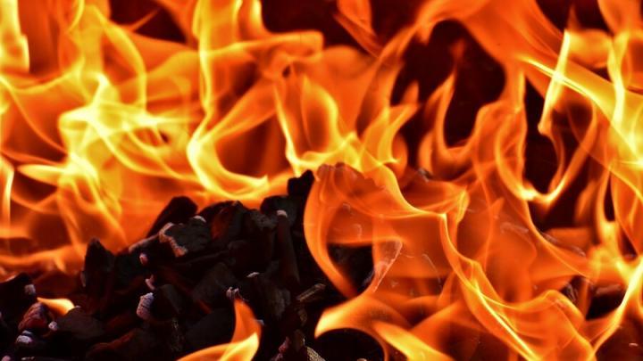 42-летняя женщина пострадала на пожаре в Саратове