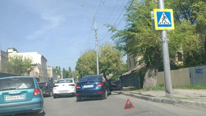 ДТП с участием Яндекс-такси вызвало затор во Фрунзенском районе