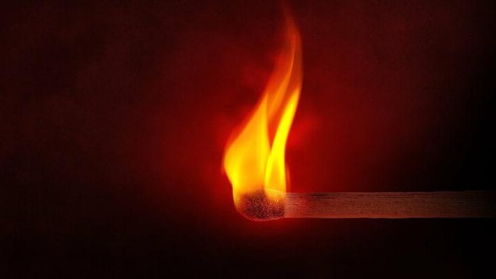 Неизвестные подожгли три дома под Вольском