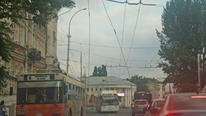 Администрация объяснила обрыв троллейбусных проводов у Музейной площади