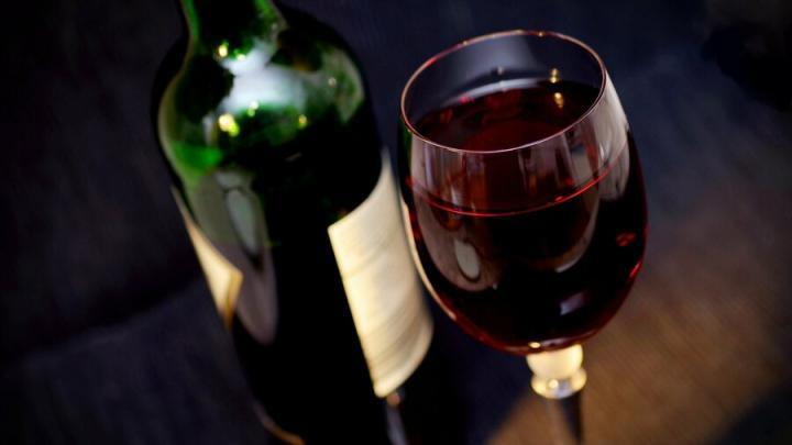 «Почта России» готовится начать онлайн-продажу алкоголя