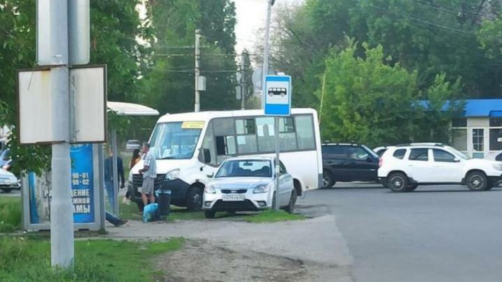 Перевозчик маршрута № 10 расследует ДТП у «Авангарда» в Саратове