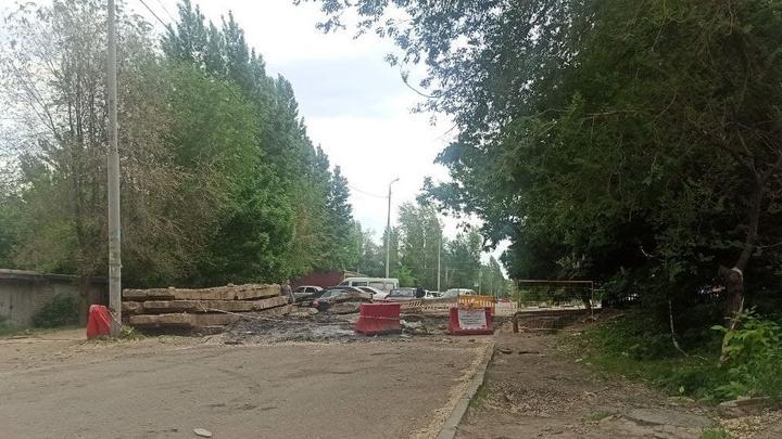 Саратовские водители возмущены раскопками на дорогах в Солнечном