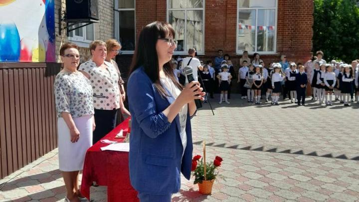 Депутаты посетили образовательные учреждения области, где в этом году будут благоустроены пришкольные территории