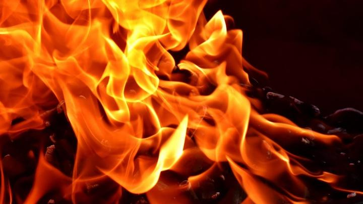Сразу два пожара из-за детских шалостей произошли в Саратовской области