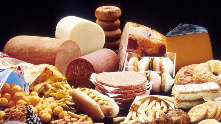 Саратовцы стали покупать больше пирожных и колбасы, а также чаще строить дома
