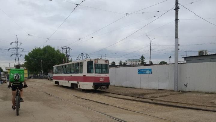 Трамваи № 2 и 7 встали в Заводском районе Саратова