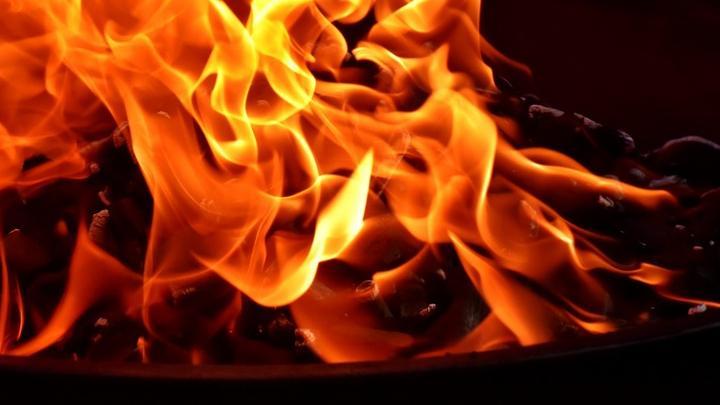 Житель Вольска поджег пол собственного дома