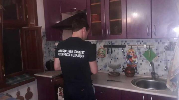 В Балаково нашли зарезанного пенсионера