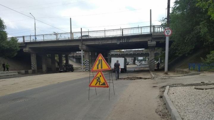 Сто миллионов рублей выделила область на содержание дорог в Саратове