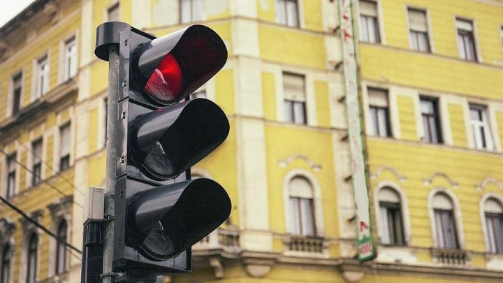 В Саратове появятся 17 новых светофоров