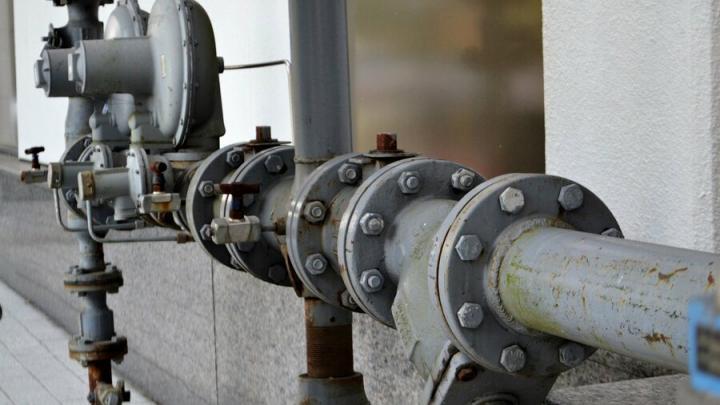Продолжается отключение воды в Саратове