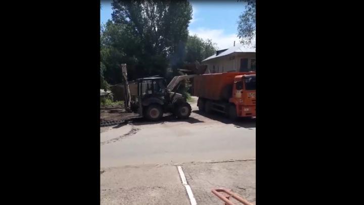 Отношение к тротуарам в Заводском районе возмутило саратовцев | ВИДЕО