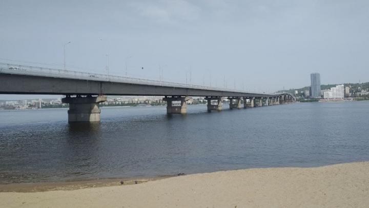 На мосту «Саратов - Энгельс» ремонтируют опоры