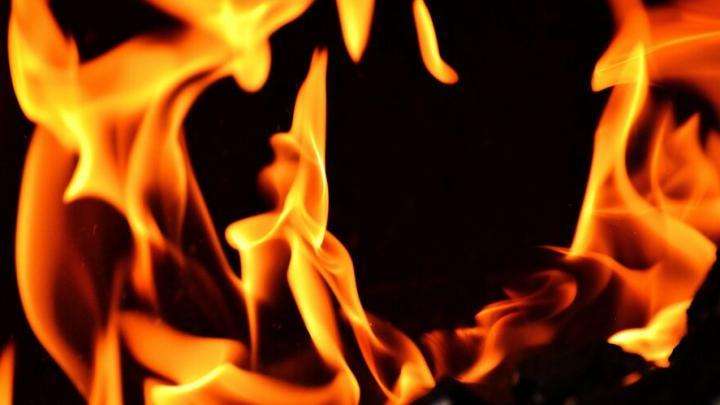 """Из-за вспыхнувшего дивана чуть не сгорела """"однушка"""" в Балаково"""