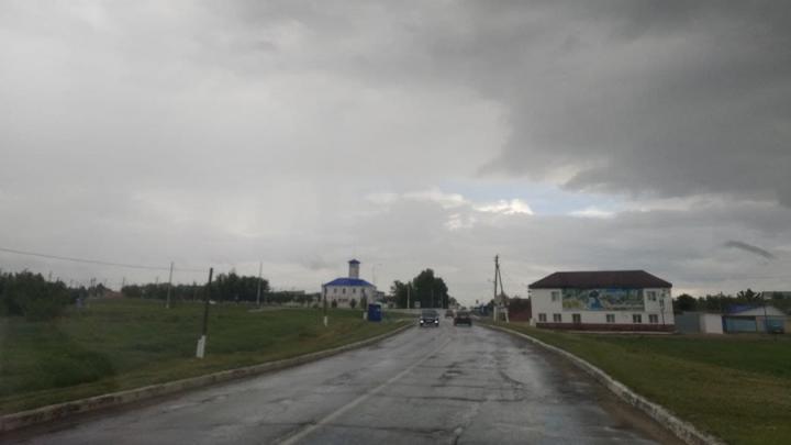 В Татищевском районе до конца лета отремонтируют дорогу