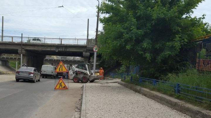 Еще 6,5 миллионов рублей выделил город на ремонт тротуаров в Заводском районе