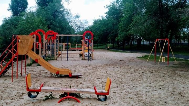 Родители снова жалуются на поборы в саратовских школах и детсадах