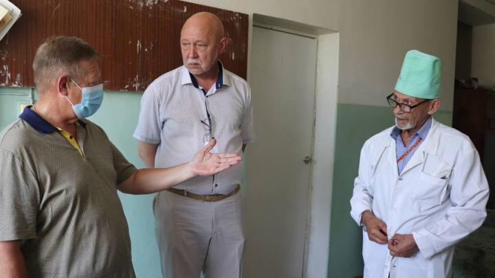 Жители Духовницкого района получили консультации врачей областного центра