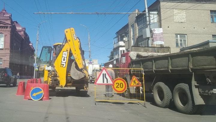 До понедельника в центре Саратова закроют два перекрестка