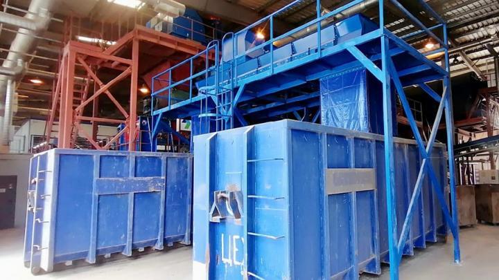 На энгельсском мусоросортировочном комплексе запустили две новых конвейерных линии