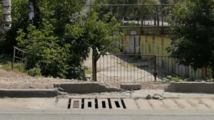 Ливневку на Хользунова пообещали восстановить
