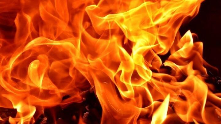 Безработный поджег дом в Александровом-Гае: пострадали три человека, включая 12-летнего мальчика
