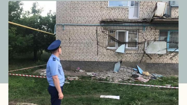 Балкон с двумя женщинами рухнул под Вольском: пострадавшие в больнице