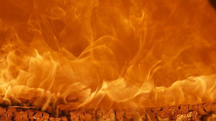 Старый ВАЗ сгорел в Духовницком районе