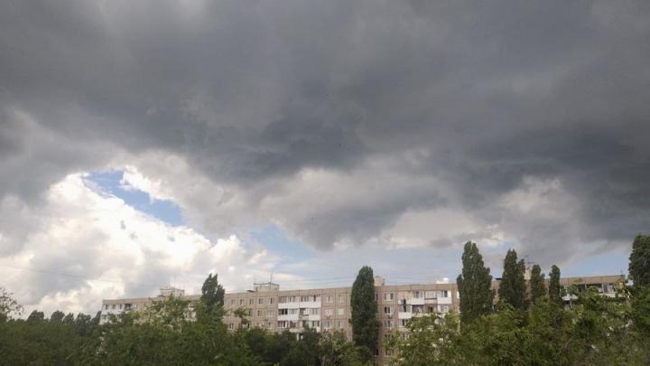 Сильные дожди и грозы обещают в Саратовской области