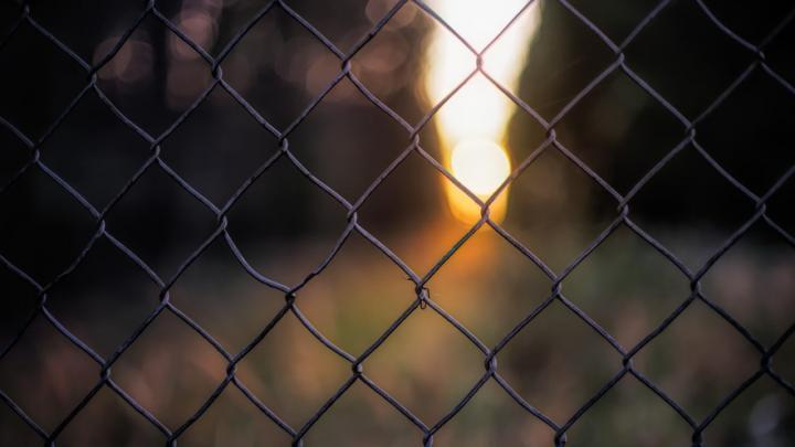На кладбище под Вольском заменят ограду за миллион рублей