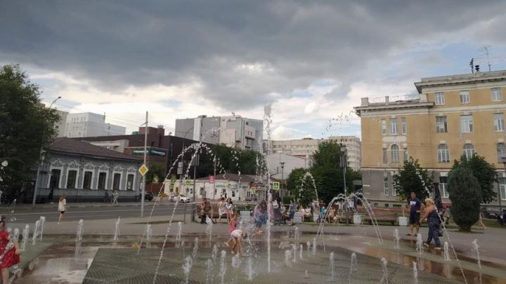 Небольшой дождь не собьет жару в Саратове