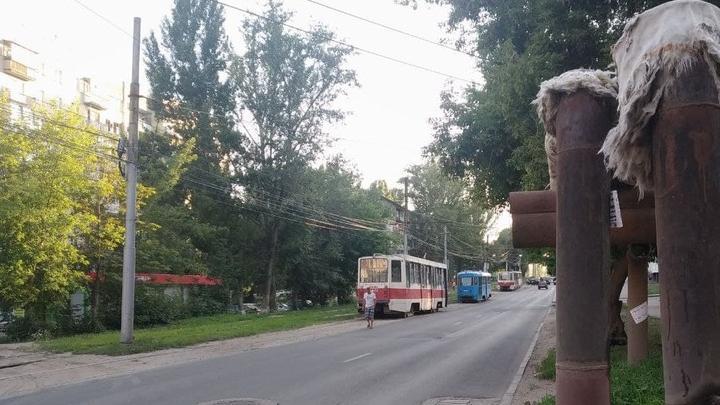 На 4-й Дачной в Саратове встали трамваи № 3