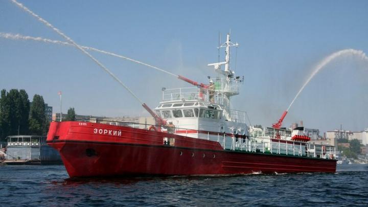 Пожарный корабль саратовского МЧС пройдет экспертизу за 2,8 миллиона рублей