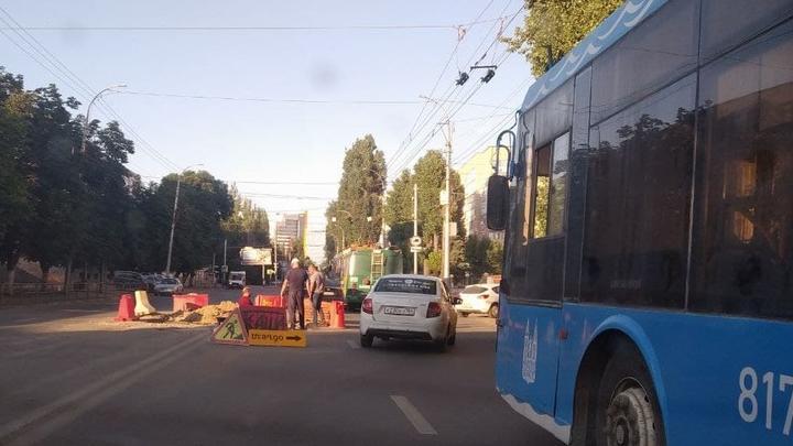Две улицы перекроют в Саратове на выходных