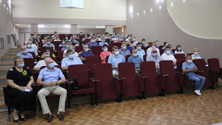 Александр Романов призвал глав районов реагировать на запросы людей максимально оперативно