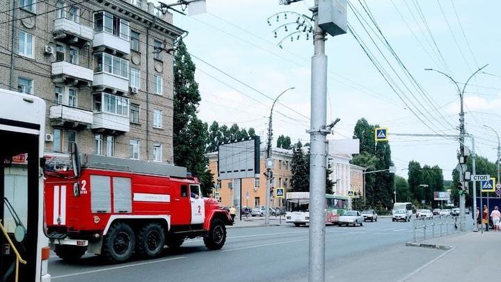 Парикмахерская горела на 50 лет Октября в Саратове